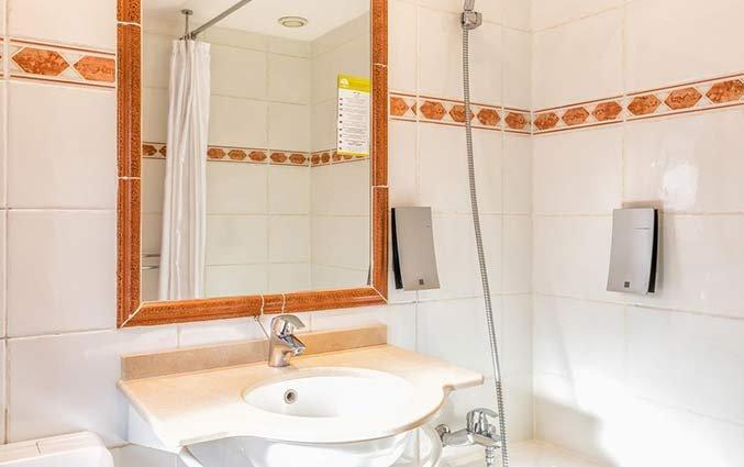 Badkamer van Hotel Univers Nice