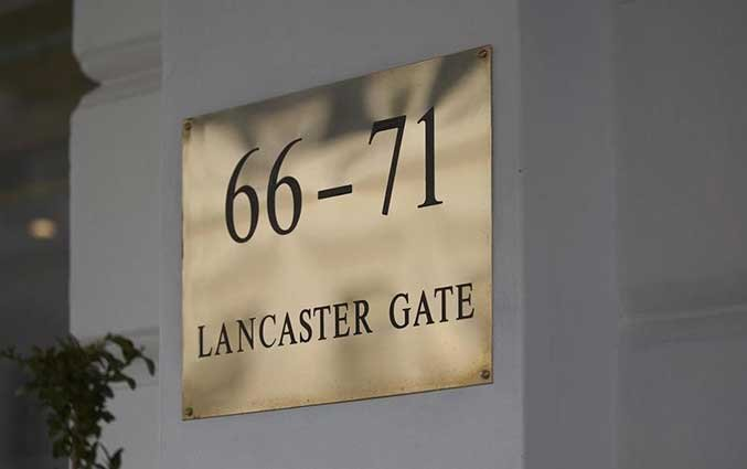 Huisnummer van Hotel Lancaster Gate in Londen