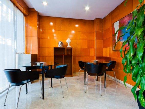 Ontbijtzaal van Hotel VillaCarlos in Valencia