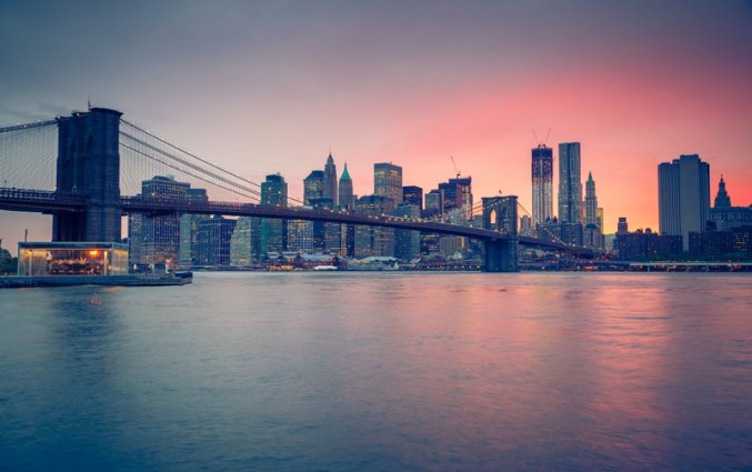 New York - Uitzicht skyline en Brooklyn Bridge