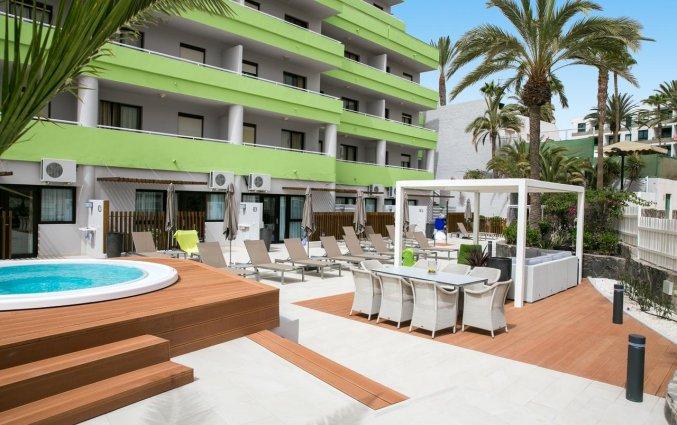 Buitenlounge van Hotel THe Anamar Suite op Gran Canaria