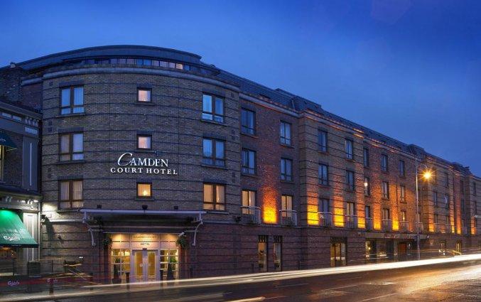 Vooraanzicht van Hotel Camden Court in Dublin
