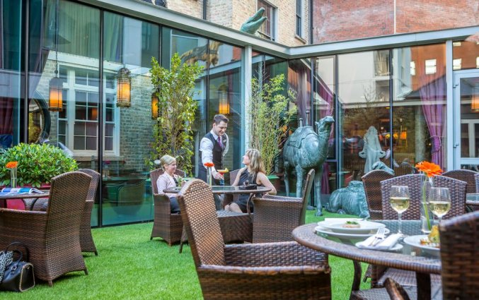 Terras van Hotel Trinity City in Dublin