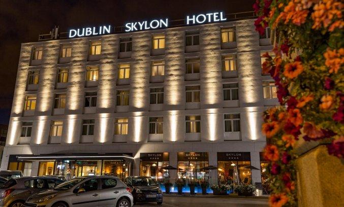 Vooraanzicht van Hotel Dublin Skylon in Dublin