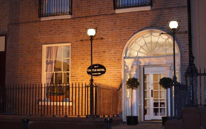 Vooraanzicht van Hotel Castle in Dublin
