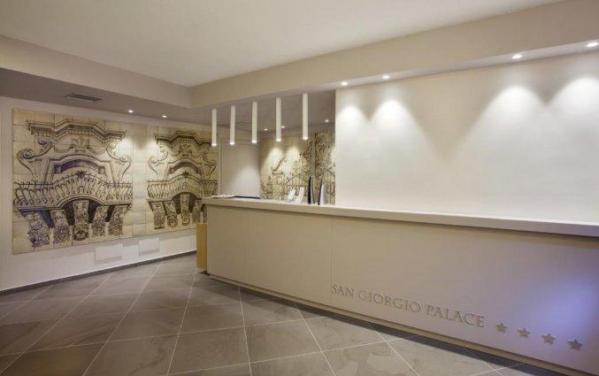 Receptie van Hotel San Giorgio Palace op Sicilië