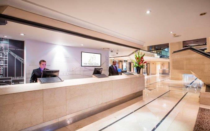 Receptie van Hotel The Tower A Guoman in Londen