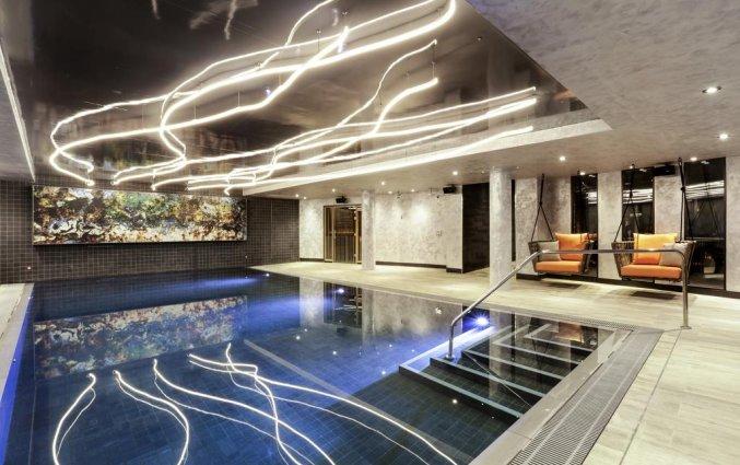 Binnenzwembad van Hotel Novotel Canary Wharf in Londen