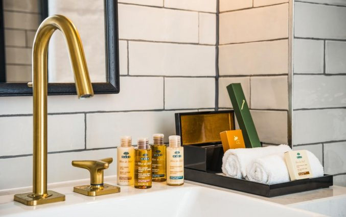 Badkamer van een tweepersoonskamer van Hotel Novotel Canary Wharf in Londen