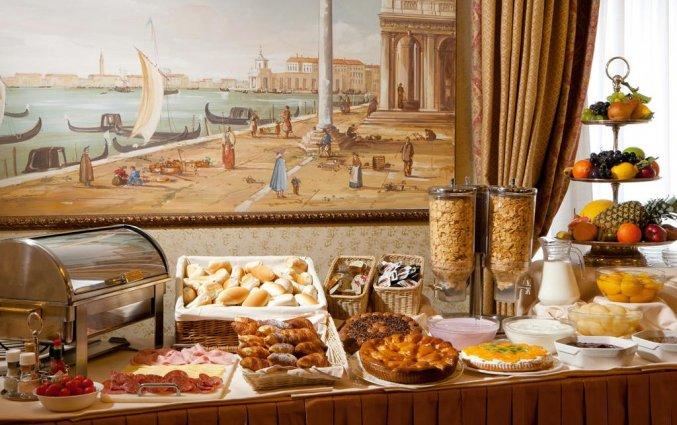 Ontbijtbuffet van Hotel Ambasciatori in Venetië