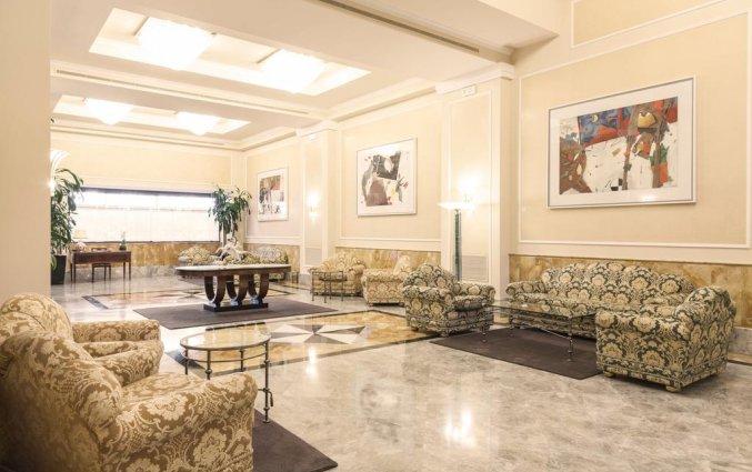 Lobby van Grand Hotel ADI Doria in Milaan