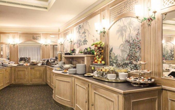 Ontbijtbuffet van Grand Hotel ADI Doria in Milaan