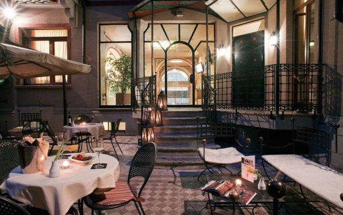 Terras van Hotel iH Milano Regency Milaan Italië