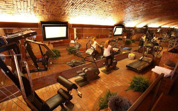 De fitnessruimte van Hotel Sanpi Milaan