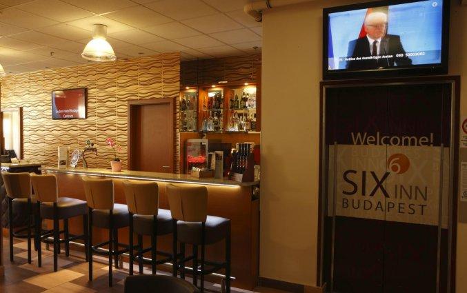 Bar van Hotel Six Inn Budapest