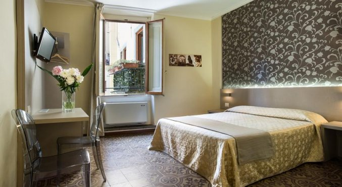 Tweepersoonskamer van Hotel Albergo Firenze in Florence