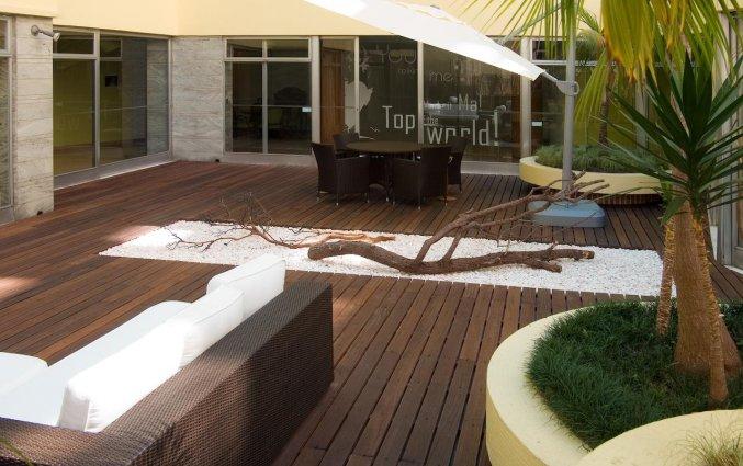 Zpnneterras van Hotel Florida in Lissabon