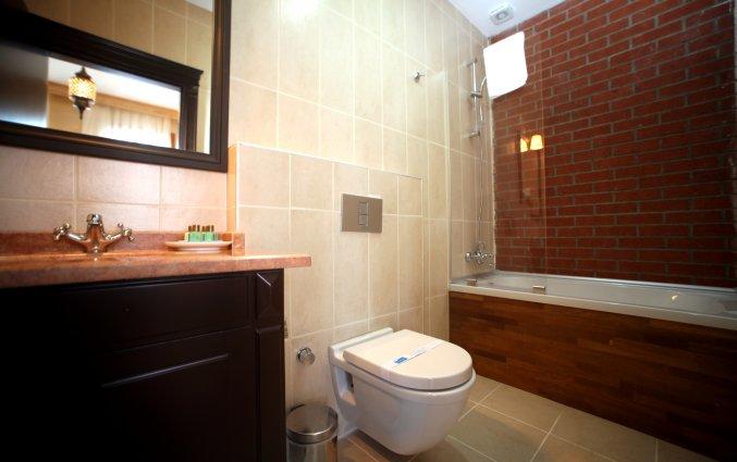 Badkamer in kamer van hotel Lallin stedentrip Istanbul