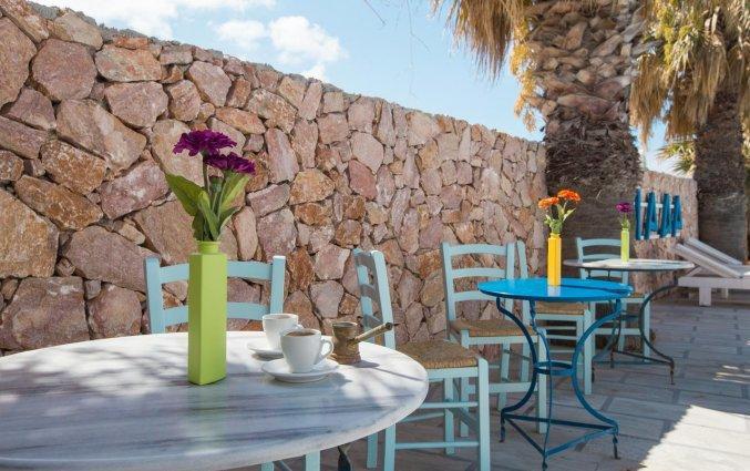 Het terras van Hotel Iliada Santorini