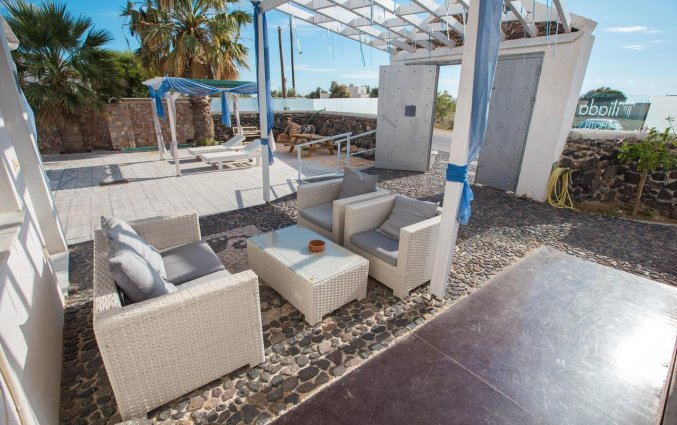 Tuinmeubels van Hotel Iliada Santorini