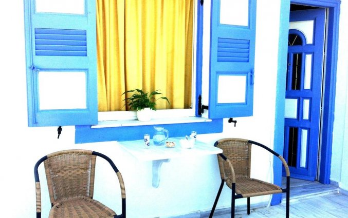 Terras bij villa van Hotel Stavros Villas op Santorini