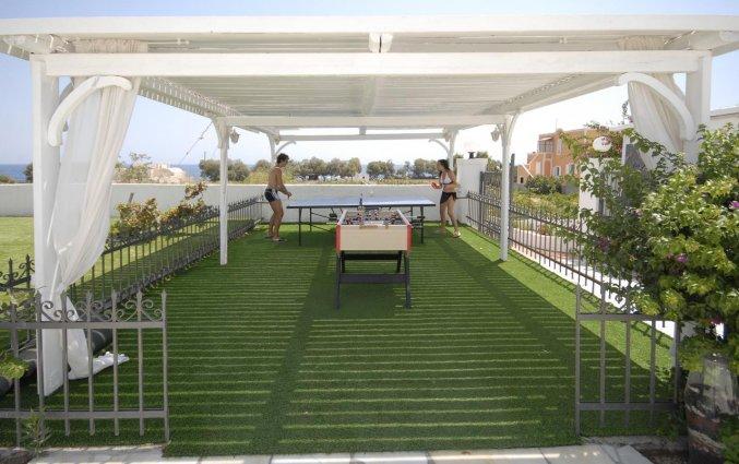 Tafeltennistafel en voetbaltafel van Hotel Imperial Med in Santorini