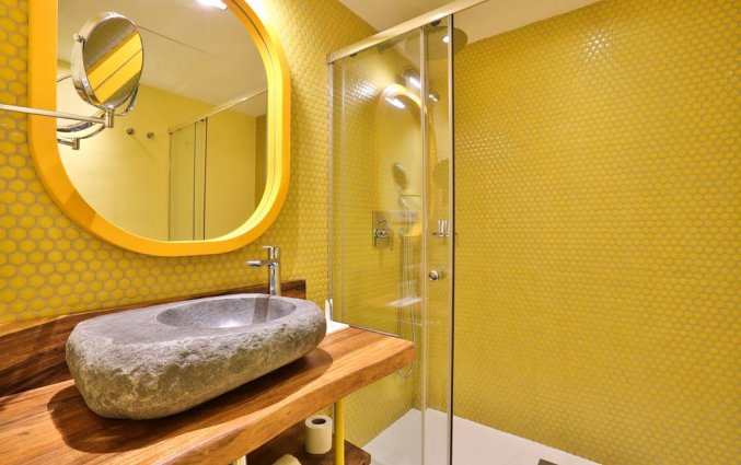 Badkamer van een suite van Hotel Paradiso Art op Ibiza