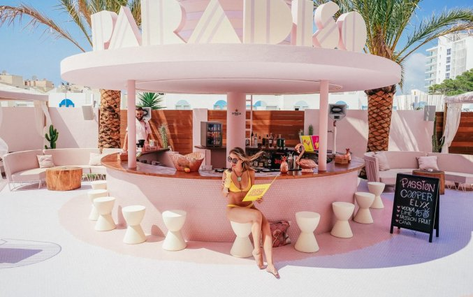 Bar van Hotel Paradiso Art op Ibiza