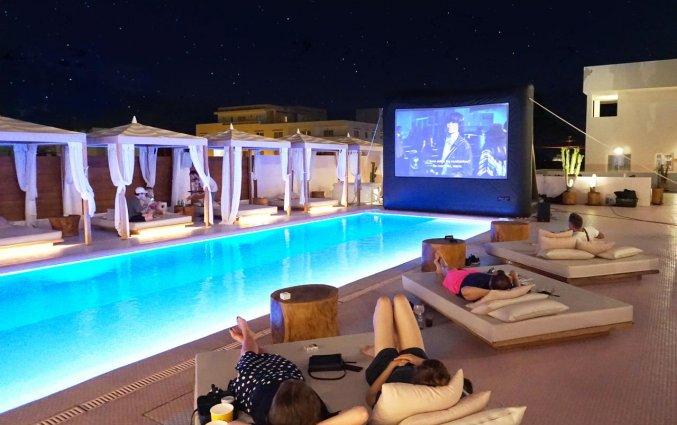 Buitenbioscoop van Hotel Paradiso Art op Ibiza