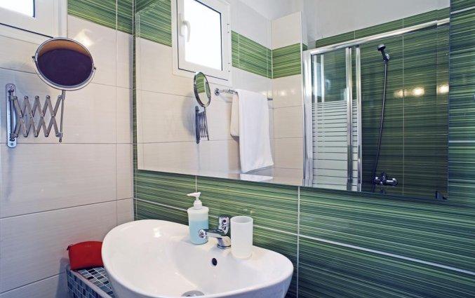Badkamer in kamer van Hotel Stratos op Chalkidiki