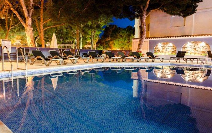 Buitenzwembad van Hotel Torre Azul op Mallorca