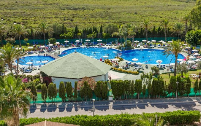 Buitenzwembad van Hotel EIX Lagotel op Mallorca