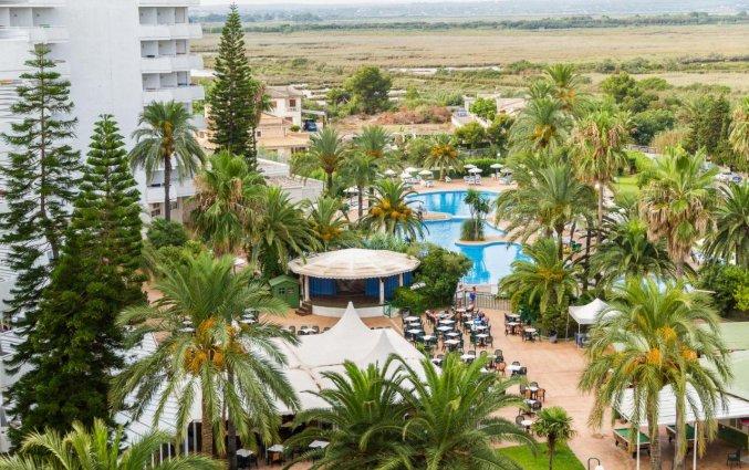 Tuin van Hotel EIX Lagotel op Mallorca