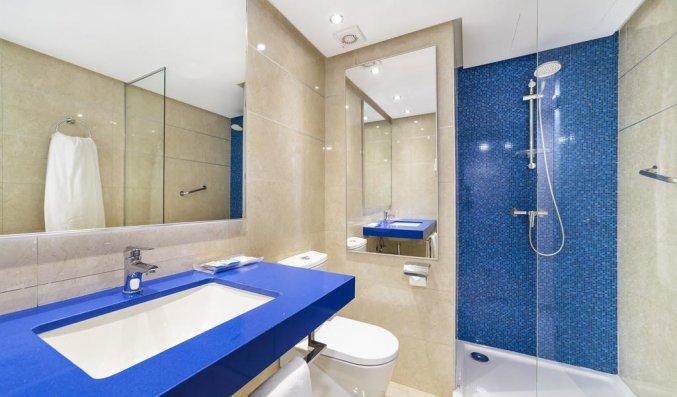 Badkamer van tweepersoonskamer Globales Verdemar op Mallorca