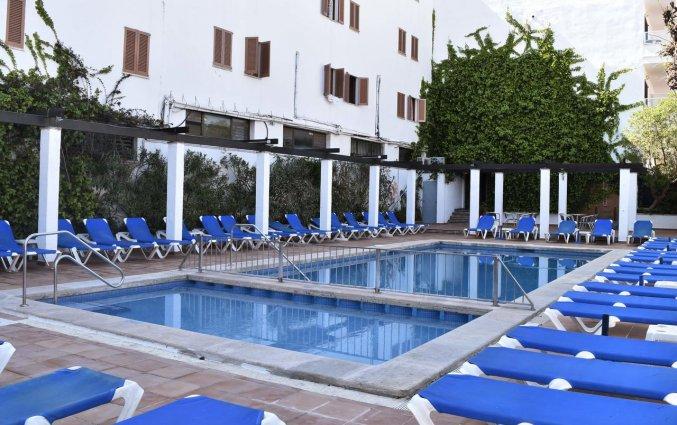 Het zwembad van Appartementen Arcos Playa Mallorca