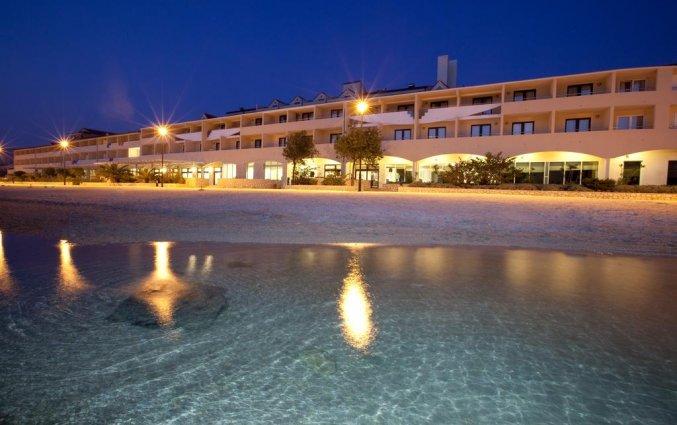 Strand bij hotel Pagus