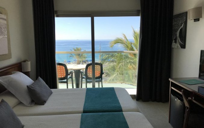 Slaapkamer Hotel Miramar