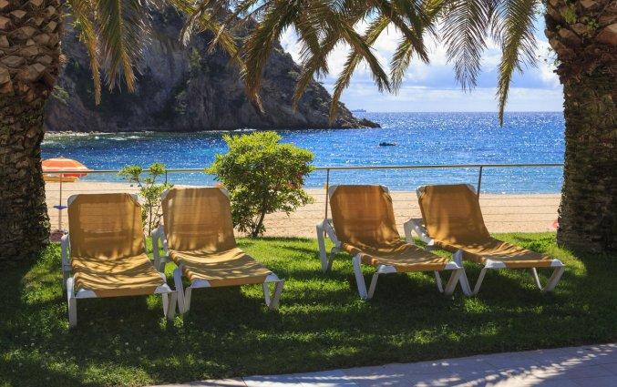 Strand bij het Giverola Resort Tossa de Mar