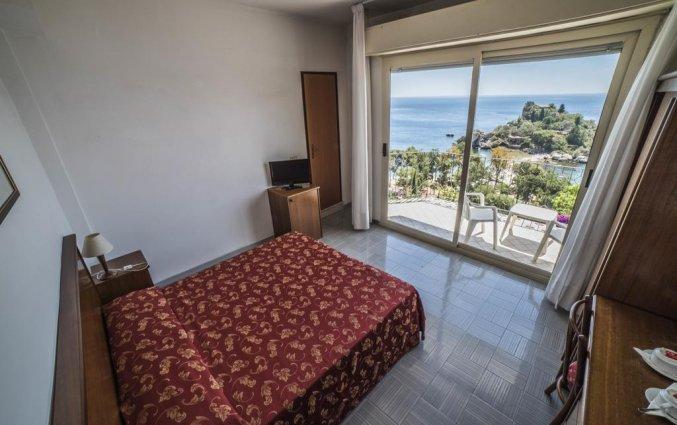 Tweepersoonskamer van Hotel Isola Bella op Sicilie