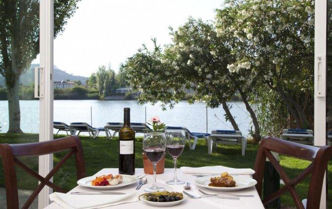 Dineren in de tuin van hotel Grupotel Amapola op Mallorca