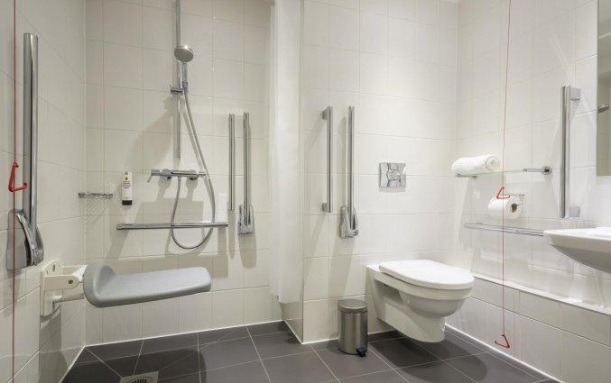 Badkamer van een tweepersoonskamer van Hotel Point A Paddington in Londen