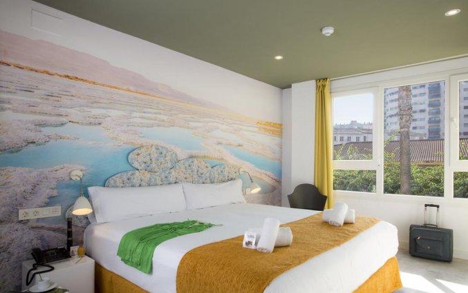 Tweepersoonskamer met tweepersoonsbed van hotel Casual Malaga del Mar in Malaga