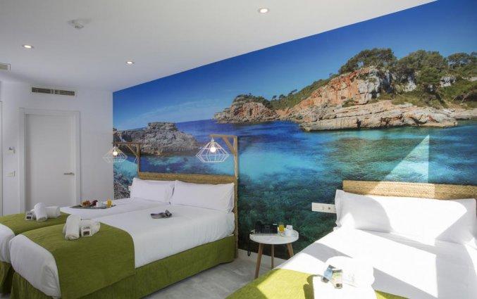 Tweepersoonskamer met aparte bedden van hotel Casual Malaga del Mar in Malaga