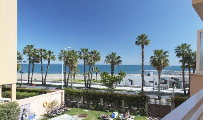Uitzicht vanaf een balkon van een tweepersoonskamer van Hotel Soho Boutique Las Vegas in Malaga