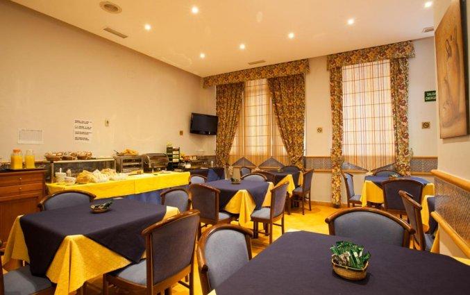 Ontbijtzaal van Hotel Don Paco in Malaga