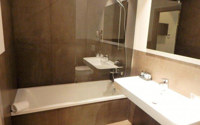 badkamer tweepersoonskamer Hotel Palacete de Alamos