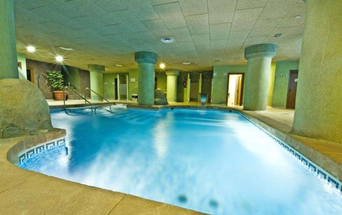 Binnenzwembad van Hotel Senator Granada Spa in Andalusie
