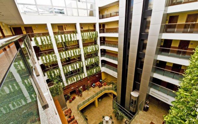 Centrale hal van Hotel Senator Granada Spa in Andalusie
