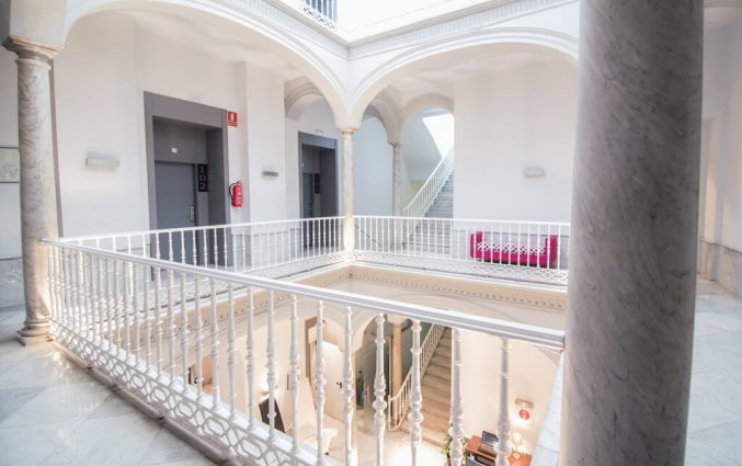 Gangen van Hotel Petit Palace Santa Cruz in Sevilla
