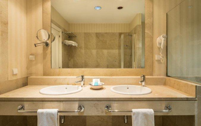Badkamer van Hotel Alcora in Sevilla